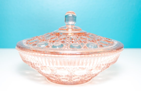 Federal glass Co. lidded candy dish in pale pink,