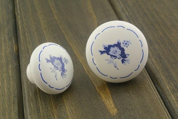 boutons en c ramique commode tiroir boutons tire poign es. Black Bedroom Furniture Sets. Home Design Ideas