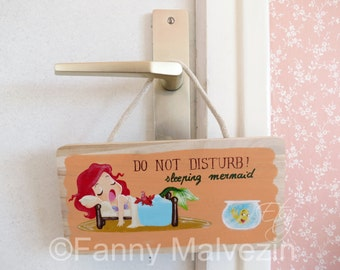 "Ariel - door panel ""Do not disturb"""