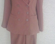 Vintage early 90s pantsuit - double breasted  2 petite - brown - 5 % spandex  - polyester rayon blend shoulder pads classic and sexy