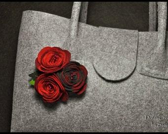 Felt flower brooch, felt roses broach, handmade felt accessories, flower brooch, felt broche, felt flower, flower brooch.