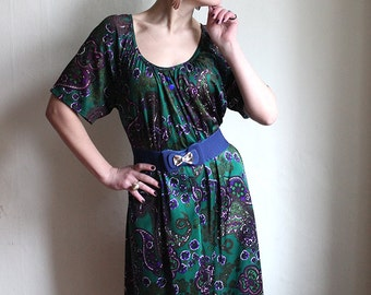 emerald Green Purple Floral Paisley Hippie midi Dress - 70ies hippie dress size M - L