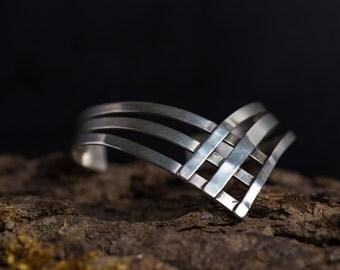 Sterling Silver Chevron Bracelet-Chevron Cuff Bracelet-Arrow Bracelet-Edgy Minimal Geometric Bracelet