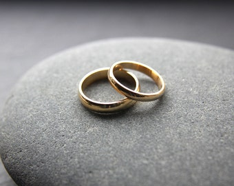 Wedding Ring Set: 18ct Yellow Gold Wedding Band Set, 3mm Womens Ring, 4mm Mens, D-shape, Shiny Finish, Custom Sizes