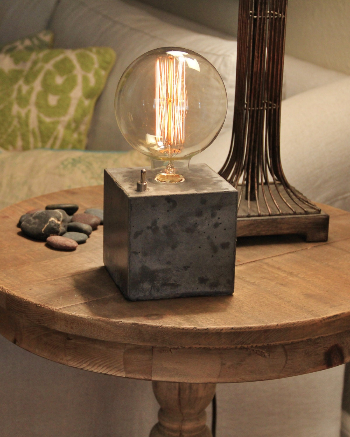 concrete cube desk lamp edison lamp. Black Bedroom Furniture Sets. Home Design Ideas