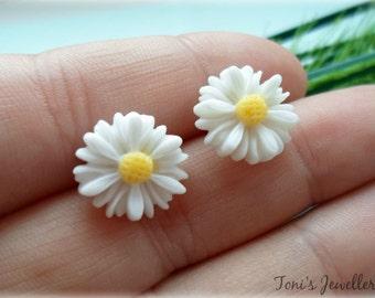 Daisy Earrings - Resin, Small, Nickel Free Studs