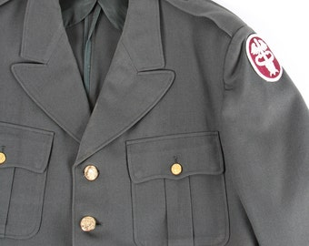 1958 Army Coat / US Military Health Services Command Jacket Large 42R / MIL-C-13990A / Vietnam War / Mens Military Coat Army Green 44
