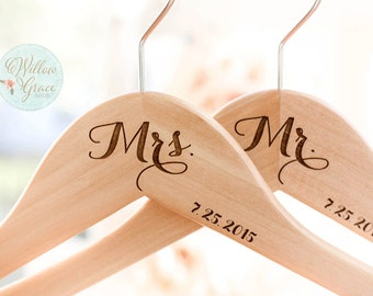Personalized Bridal Hangers, Bride Hanger, Wedding Hangers