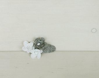 White flower hair clip - grey felt hair clip - girl hairclip