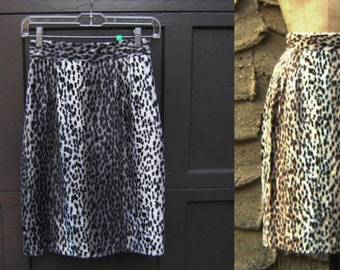 "S 25"" waist 1980's Dead Stock Faux Fur Leopard Pencil Skirt Black Gray Grey White Size Sm Small Back Thennish Vintage"