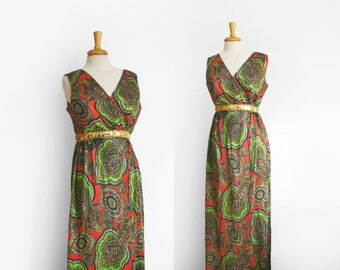 1970s paisley print  empire waist maxi dress in blood orange and green, size medium