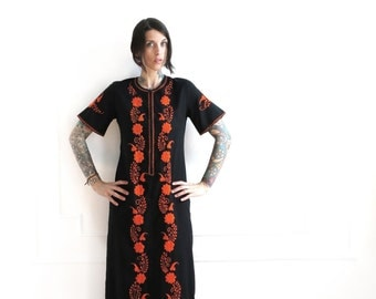 70s vintage embroidered maxi tunic dress//  bohemian boho black and orange embroidered dress// caftan dress// small medium