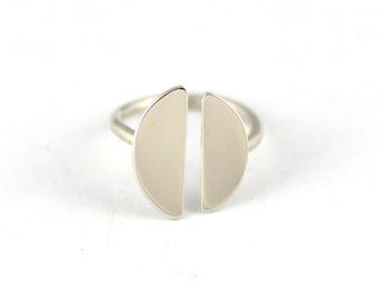 Minimalistic Moon Split Ring - Modern Silver Ring