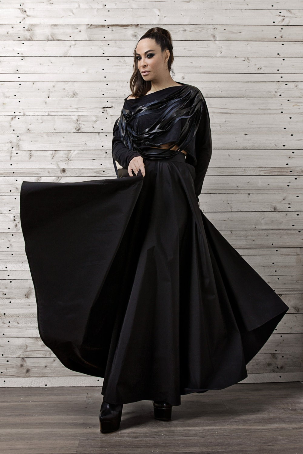 These long skirts are flattering on every body type; these skirts can be worn with everything from sweaters to tee shirts to cardigans. Chiffon-style maxi skirts are billowy and romantic while remaining simple enough to be worn during the day.