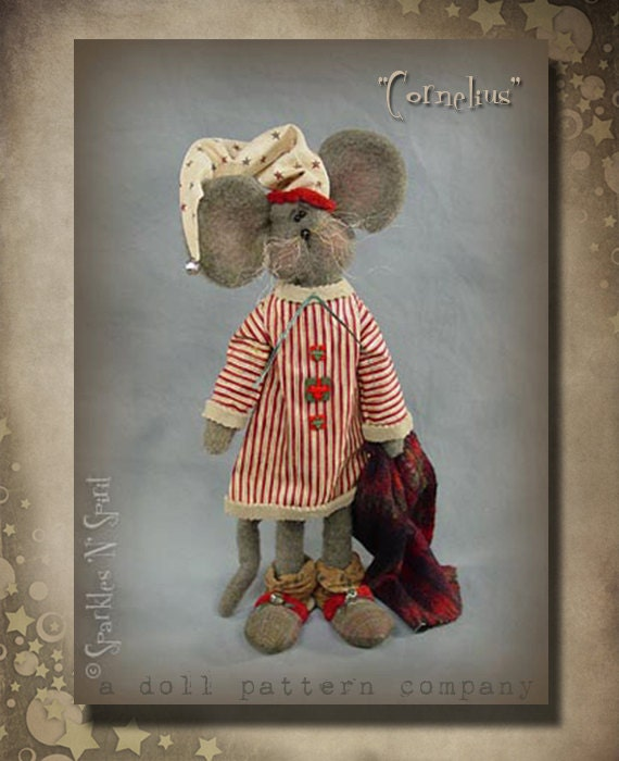 "Pattern: Cornelius - 19"" Mouse - Christmas"