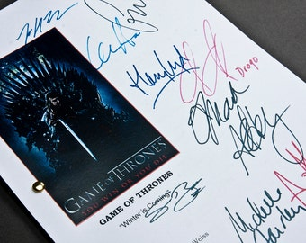 Game of Thrones TV Script with Signatures / Autographs Reprint Unique Gift Christmas Xmas Present Film Movie Fan Geek GoT Jon Snow Daenerys