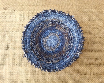 Small coiled fabric bowl / key catcher / upcycled small basket