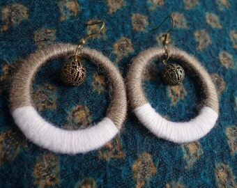 Large ethnic Creole loops in wool