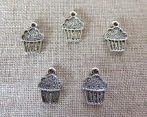 Cup Cake Charms x 5. Muffin Charms.  Fairy Cake Charms.  Cake Charms.  Baking Charms.  Tibetan Silver Tone - UK Seller.