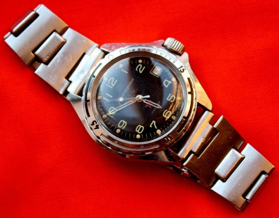 Sovi tique vostok komandirskie military watch cadran noir rare for Machine a coudre 974
