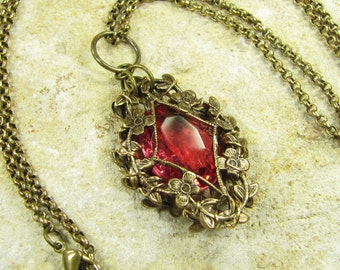 Necklace sleeping beauty treasure vintage style, fairy magical Elves fairies, chain with pendant brass bronze pink rose