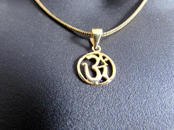Om Ohm Aum Circle Pendant Necklace Handmade Yogi Yoga Boho Jewelry Free UK delivery BP4