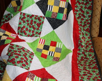 Lady Bugs and Daisies Quilt
