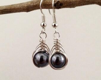 Silver pearl earrings.Wire wrapped earrings.Sterling silver earrings.Hematite earrings Wire wrapped jewelry.Bridesmaids earrings.Dangles