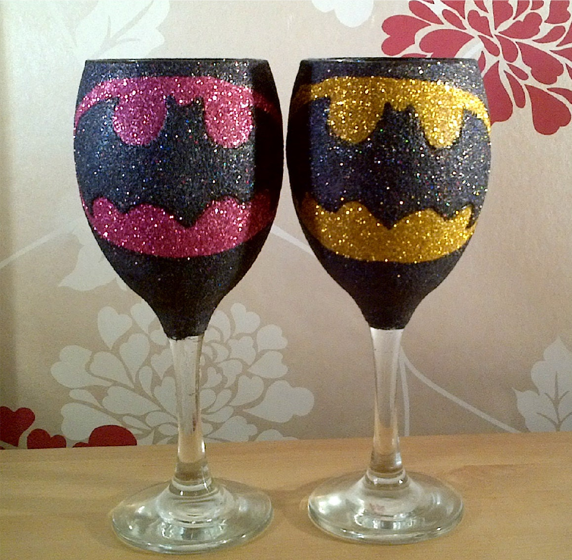 Superhero glitter wine glass glittered bling by How to make wine glasses sparkle
