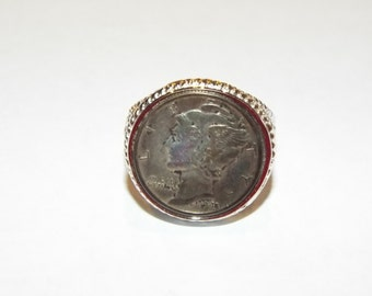964--Wow!! Look at this Liberty coin ring in a outer silver tone ring.  Very Nice!  Must see!!