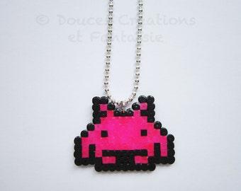 Space Invaders Jewel Necklace arcade game retrogaming, hama bead, 8-bit pixel art nerd geek gamer, girl teen child, handmade