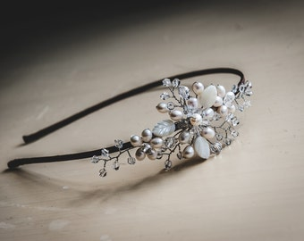 Stunning freshwater pearl bridal tiara, bridal headpiece, bridal hair accessories, bridal hair piece, bridal hairband, wedding hair piece