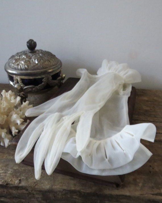 Vintage Sheer Off-White Gloves Lady's Evening Wedding Prom