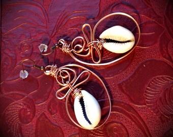 Cowry shell copper earrings