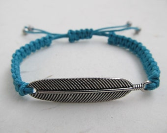 Feather bracelet, macrame bracelet, bohemian bracelet