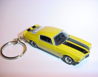 3D 1970 Chevrolet Camaro Z28 custom keychain by Brian Thornton keyring key chain finished in yellow color trim diecast metal body hood opens