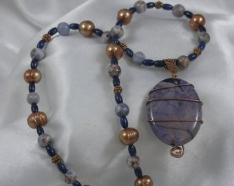 Crazy Lace Agate, FW Pearls, Lapis Necklast