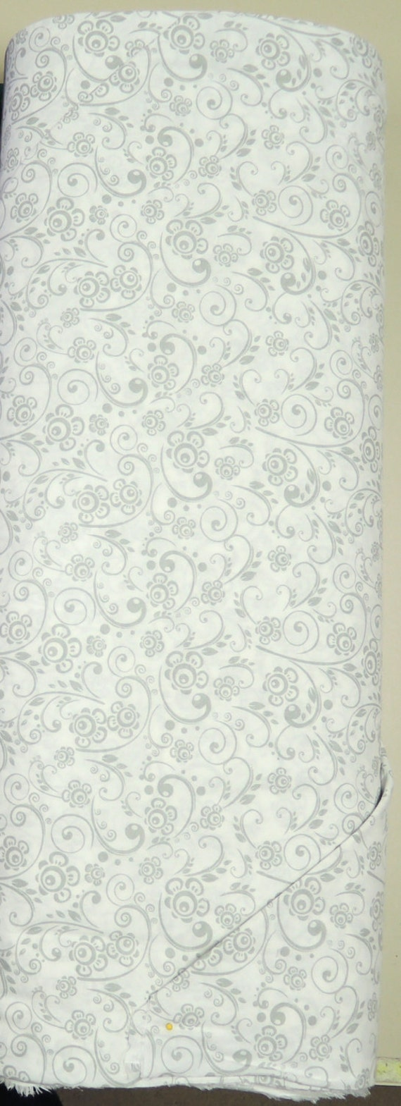 108 Quot White Amp Gray Flowers Vine Leaf Choice Quilt Backing