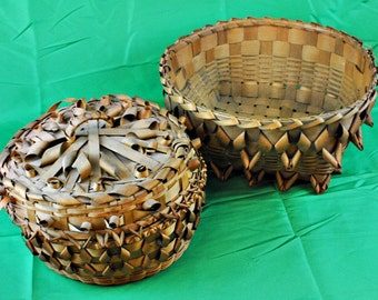 """Pair of Indian baskets 6"""" x 13"""" and 6"""" x 9 1/2""""-(1411-117)"""