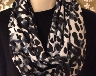 Super soft and lightweight infinity scarf.