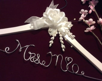 Personalized wedding hanger rose flower, Bride hanger, wedding dress hanger, custom hangers