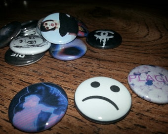 14 one inch in Crystal Castles buttonpins