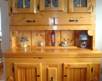 Solid Knotty Pine Country Style Hutch