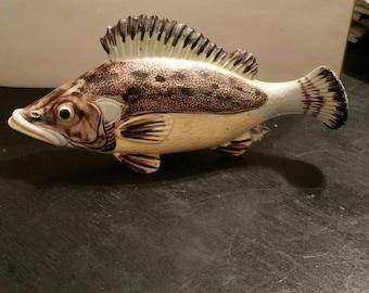 Fish wall pocket