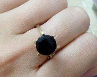 SALE! Black onyx ring,statement ring,birthstone jewelry,gold ring,black ring,natural gemstone ring,small round ring,vintage ring