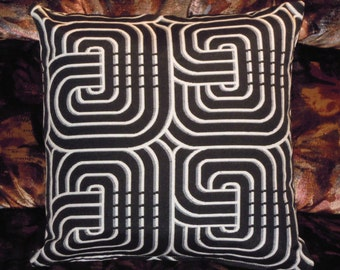 "CUSHION ""SEVENTIES"" Monochrome ""size 40X40cm"