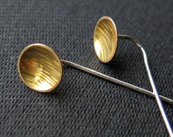 Long earstuds, textured plate 9mm, brass