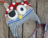 Pirate owl hat for boy handcrafted in Quebec from alpaca fiber
