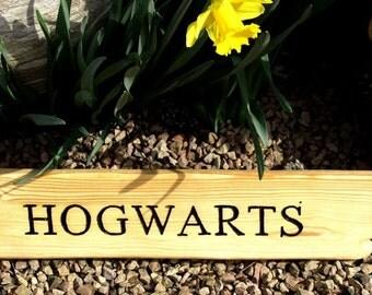 Hogwarts Finger Post