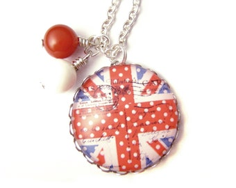 British flag necklace & Natural beads